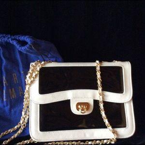 "Stuart Weitzman ""Windex"" purse ."